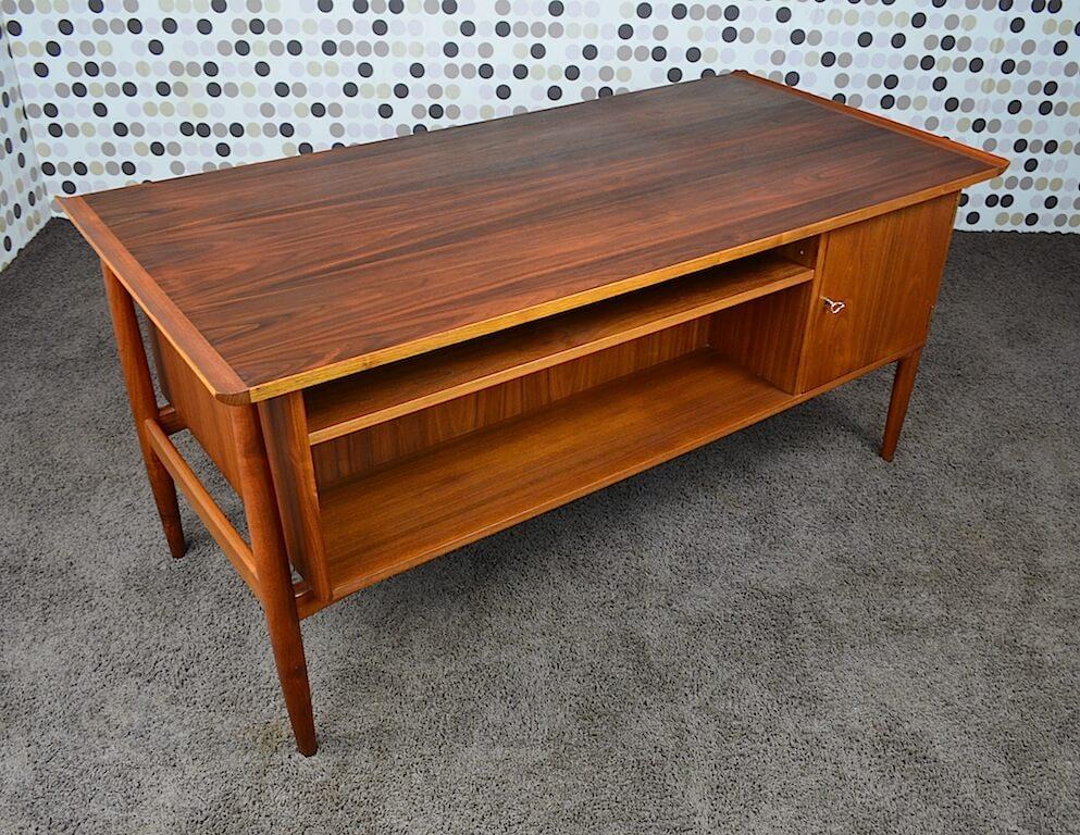 bureau scandinave en walnut arne vodder vintage 1960. Black Bedroom Furniture Sets. Home Design Ideas