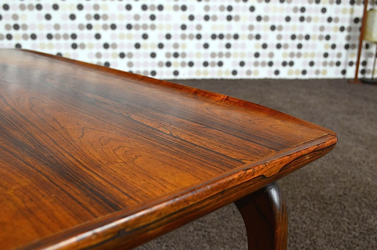 Table basse scandinave en palissandre de rio a h olsen for Table basse palissandre