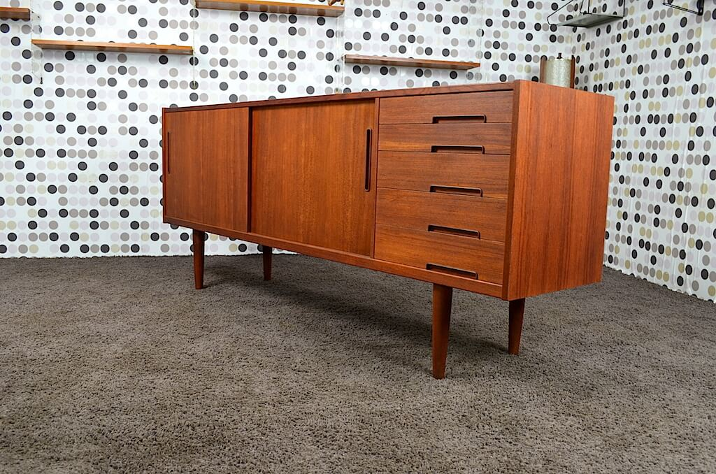 enfilade scandinave en teck vintage 1965 par nils jonsson design vintage avenue. Black Bedroom Furniture Sets. Home Design Ideas