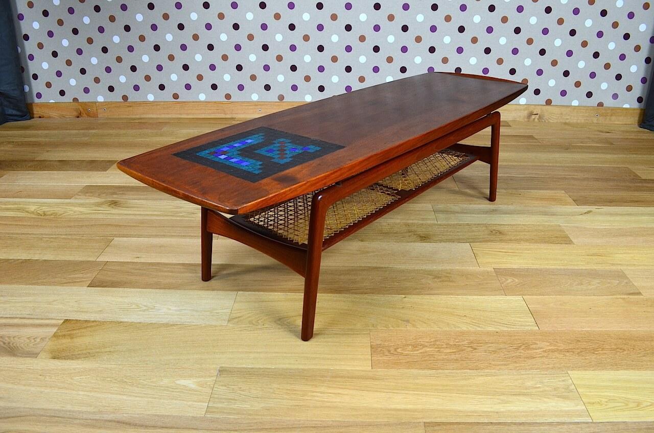 table basse scandinave en teck a hovmand olsen vintage 1960 design vintage avenue. Black Bedroom Furniture Sets. Home Design Ideas