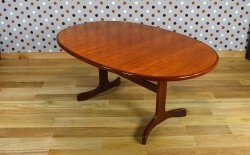 Table Ovale Design Scandinave en Teck G Plan Vintage 1965 - A1355