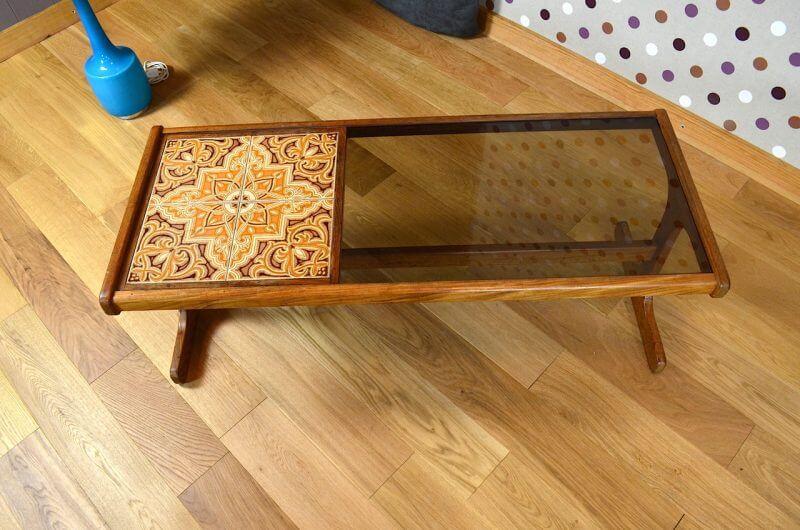 Table basse design vintage table basse vintage karl for Table triangulaire scandinave