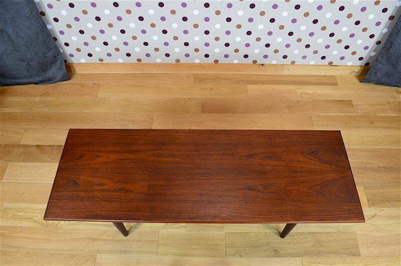 Table basse design vintage table basse vintage karl for Table triangulaire scandinave