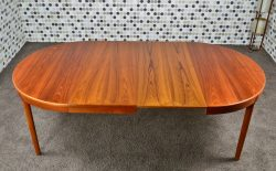 Table Scandinave ronde en Teck 1962 Harry Ostergaard