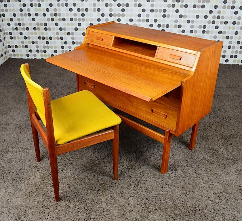 bureau secr taire danois en teck de arne wahl iversen vintage 1960. Black Bedroom Furniture Sets. Home Design Ideas