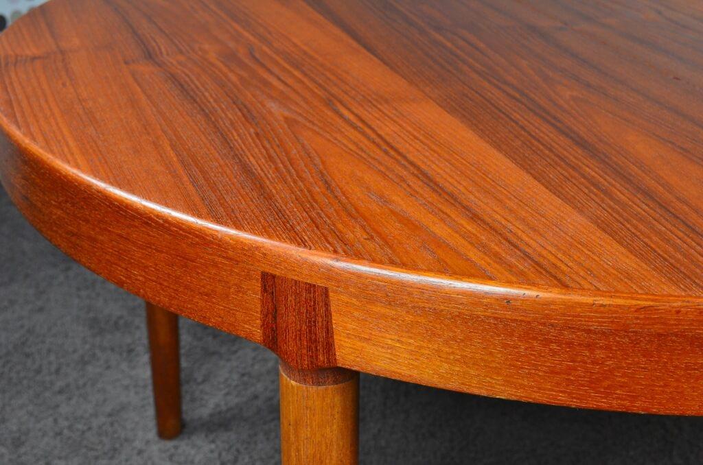 table scandinave ronde en teck 1962 harry ostergaard. Black Bedroom Furniture Sets. Home Design Ideas