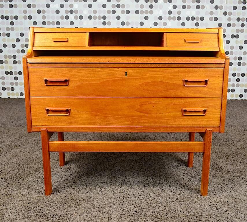 bureau secr taire danois en teck de arne wahl iversen vintage 1960. Black Bedroom Furniture Sets. Home Design Ideas