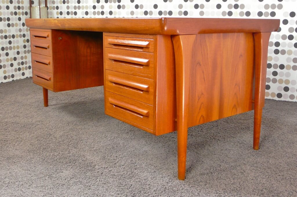 bureau ministre scandinave en teck de kofod larsen 1965 vendu. Black Bedroom Furniture Sets. Home Design Ideas