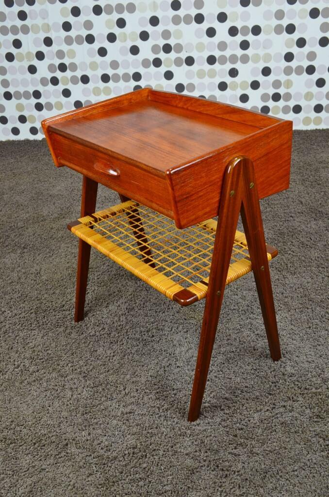 table d appoint en teck et cannage vintage 1965. Black Bedroom Furniture Sets. Home Design Ideas