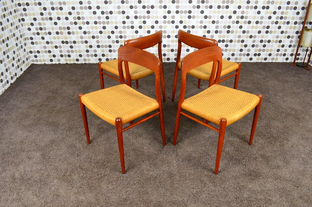 4 chaises danoise en teck n o moller mod le 75 de 1954. Black Bedroom Furniture Sets. Home Design Ideas