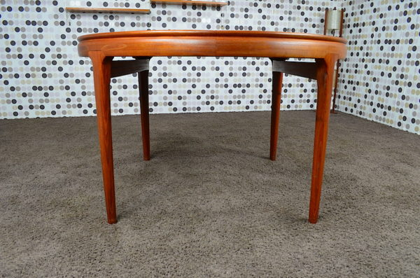 Table Scandinave en Teck Arne Ovmand Olsen Vintage 1960