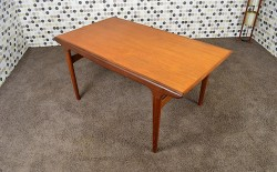 Table Scandinave Johannes Andersen en Teck Vintage 1960
