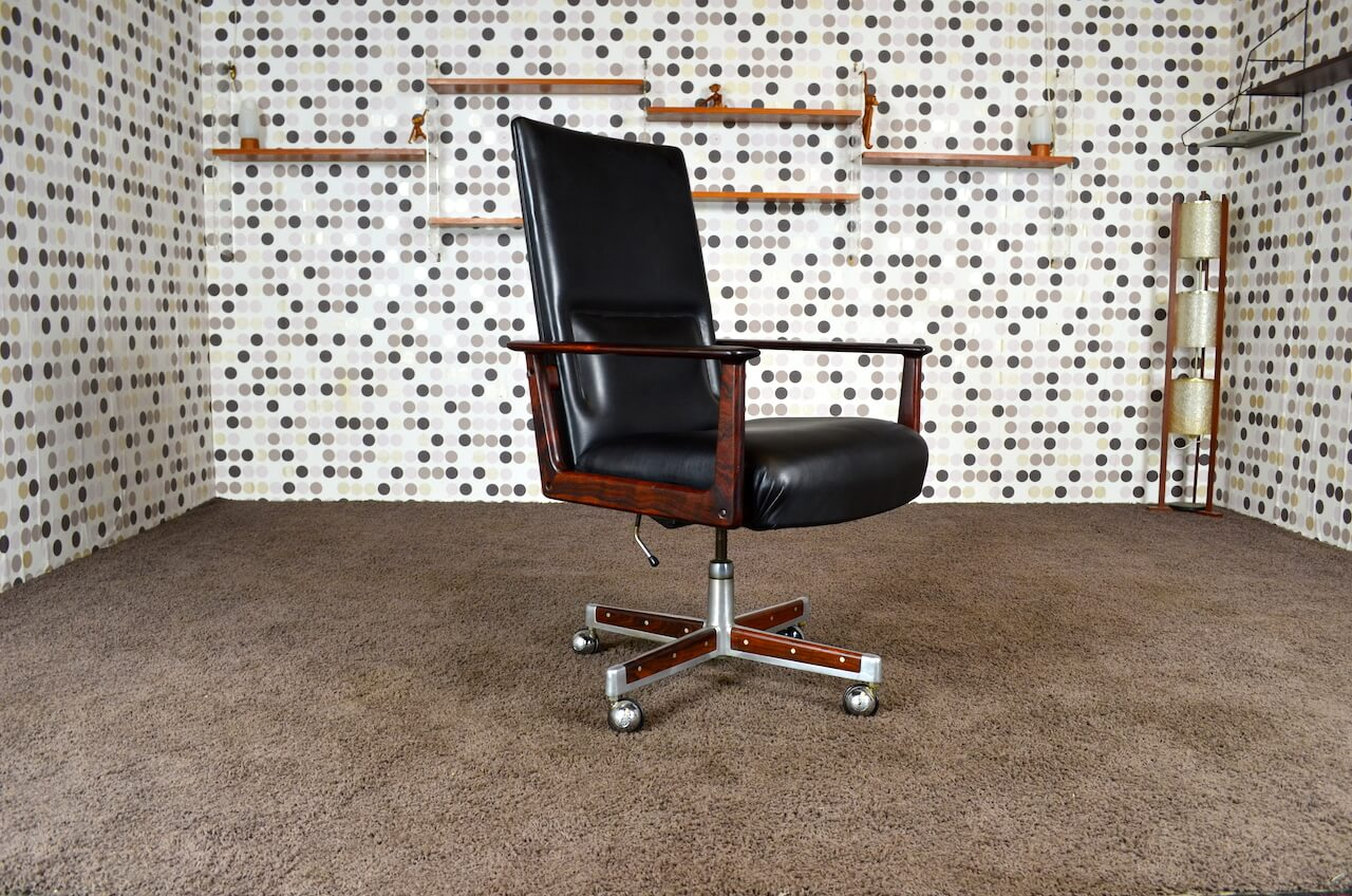 fauteuil de bureau scandinave en palissandre de rio arne vodder vintage 1960 mobilier vintage. Black Bedroom Furniture Sets. Home Design Ideas