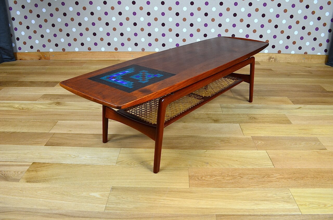 Table basse scandinave en teck a hovmand olsen vintage for Table scandinave en teck