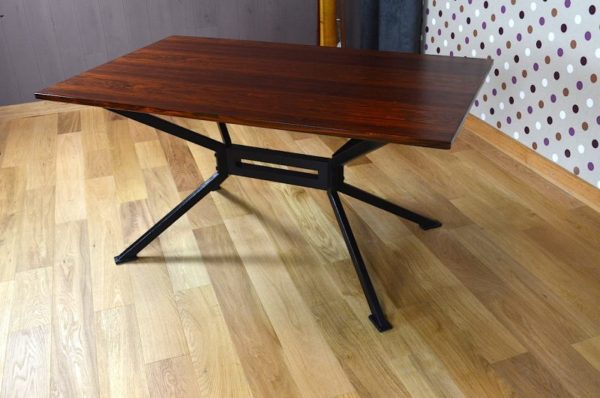 Table Moderniste / Scandinave en Palissandre de Rio Vintage 1960