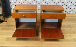 Paire de Chevets Design Scandinave en Teck Vintage 1965 tiroirs ouverts