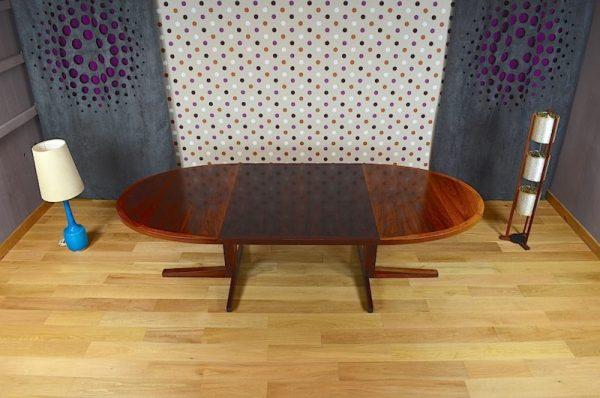 Table Ovale Danoise en Palissandre de Rio Vintage 1960 par John Mortensen