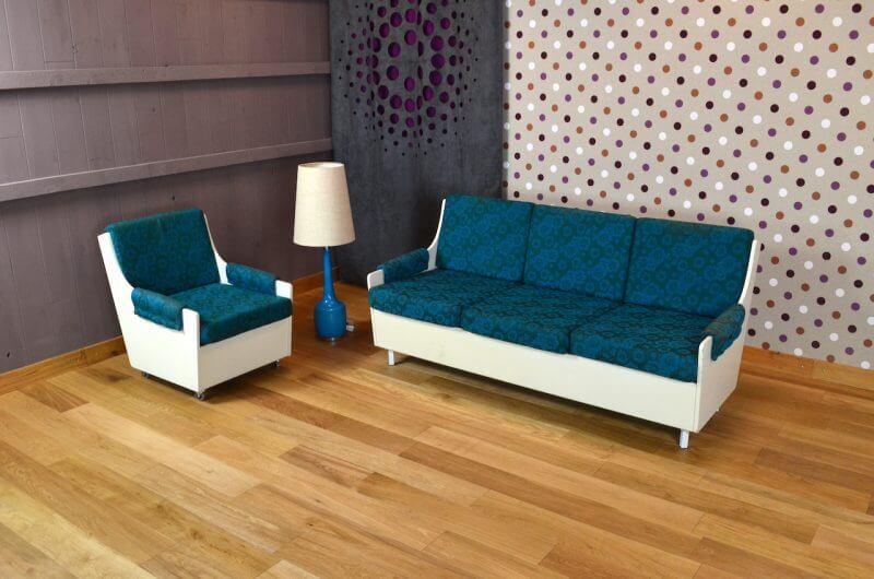 salon design banquette et fauteuil vintage 1960