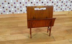 Porte-Revues Design Scandinave en Teck & Cannage Vintage 1950,Ejnar Larsen & Aksel Bender Madsen Édition Willy Beck.