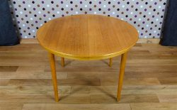 Table Ronde Design Scandinave en Chêne Blond Farstrup Vintage 1960