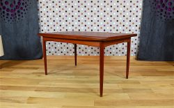 Table Design Scandinave en Teck Dyrlund Vintage 1960