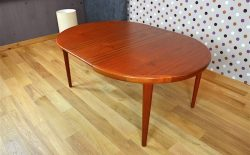 Table Ronde Design Scandinave en Teck V.V.Mobler Vintage 1968