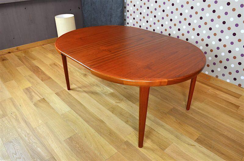 table ronde design scandinave en teck v v mobler vintage 1968. Black Bedroom Furniture Sets. Home Design Ideas