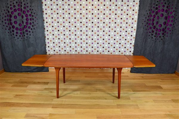 Table Danoise en Teck Henning Kjaernulf Vintage 1963