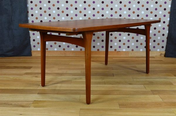 table deco scandinave teck