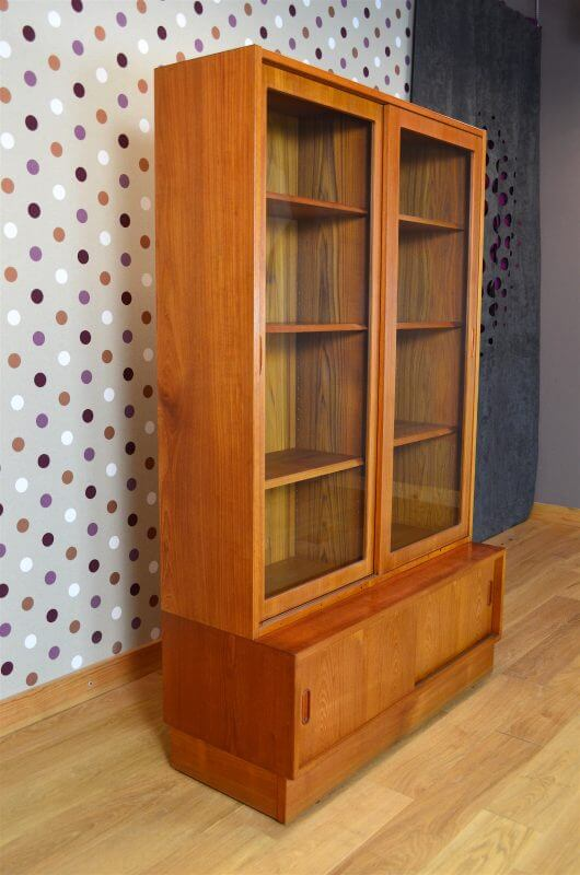 meuble vitrine design scandinave en teck p hundevad vintage 1960 vendu. Black Bedroom Furniture Sets. Home Design Ideas