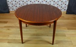 Table Ronde Design Scandinave en Teck Vintage 1966