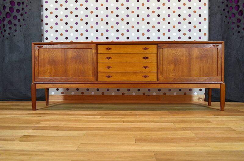 enfilade design scandinave en teck h w klein vintage 1965. Black Bedroom Furniture Sets. Home Design Ideas