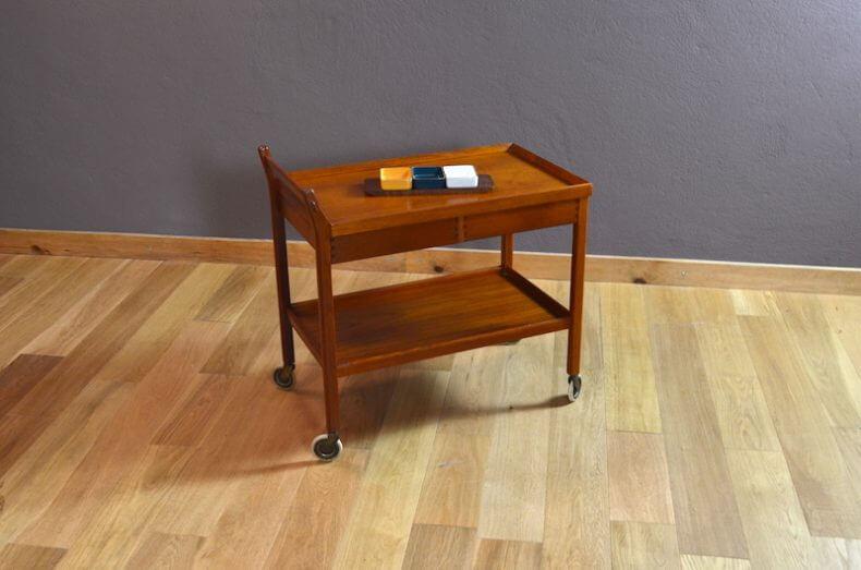 desserte danoise en teck vintage des ann es 1960. Black Bedroom Furniture Sets. Home Design Ideas