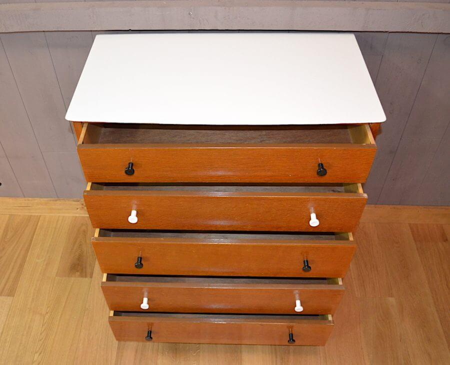 commode vintage en ch ne relook e ann e 1950. Black Bedroom Furniture Sets. Home Design Ideas
