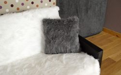 Coussin Design Fourrure Coloris Gris Made in France