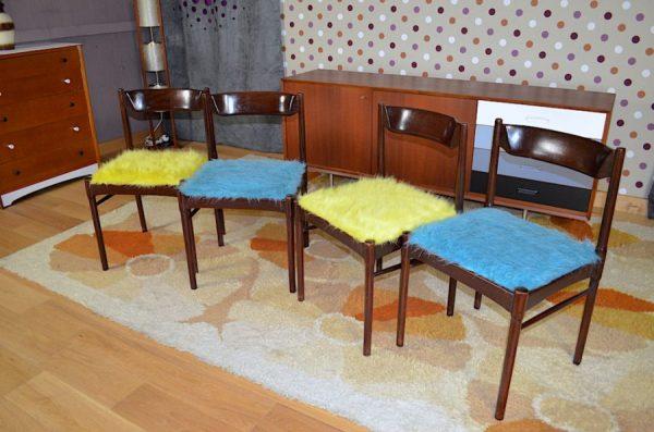4 Chaises Vintage en Acajou Relookées Moumoute
