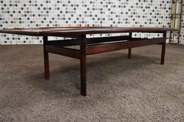 Table Basse Danoise en Palissandre de Rio Grete Jalk 1959