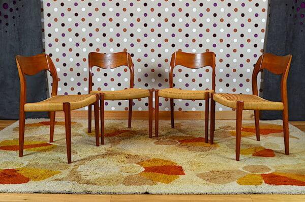 4 chaises modele 71