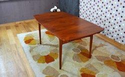 table design scandinave