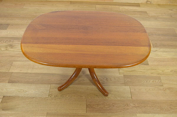 table ovale design scandinave