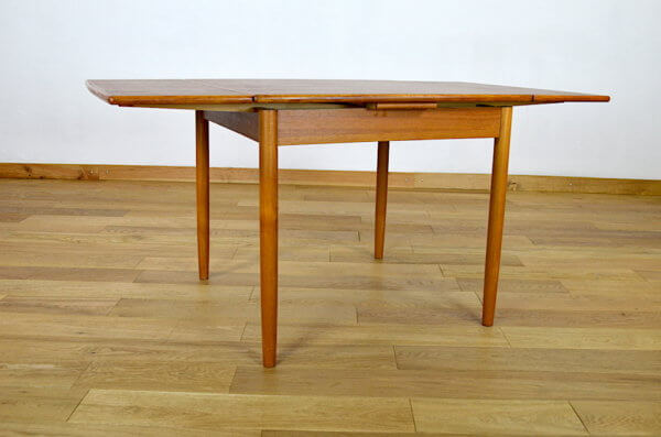 table design danois