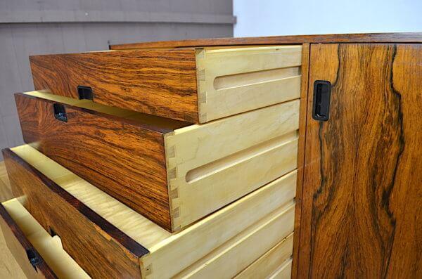 Grande sideboard scandinave des années 60 en palissandre de rio.