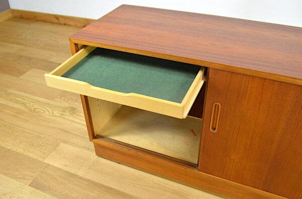 meuble enfilade scandinave en teck Poul hundevad
