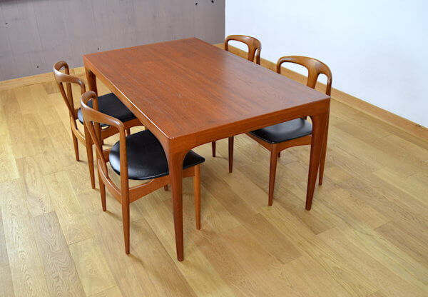 Table Danoise en Teck Johannes Andersen pour Uldum