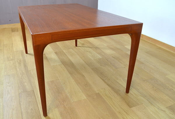 table scandinave en teck