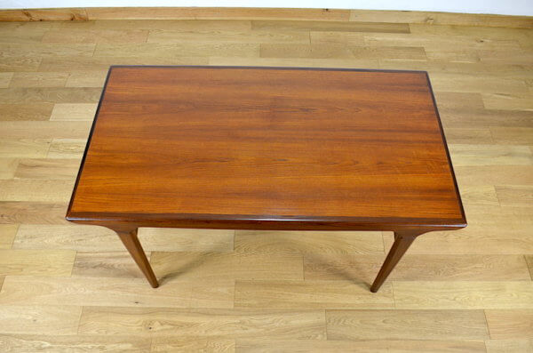 table vintage danois